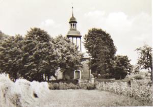 Wiese vor der Kirche in Rieth ca. 1960